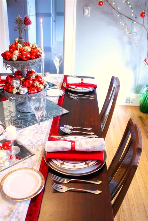 red and silver christmas table decorations red silver christmas table setting craft thyme