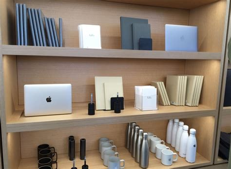 Apple Store Decor by Reved Infinite Loop Apple Store In Cupertino Now Open