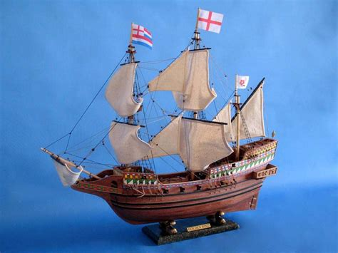 Handcrafted Model Ship - golden hind limited 30 quot
