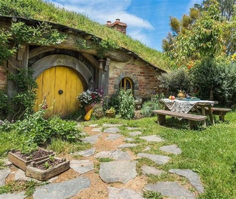 hobbit style homes 1000 images about hobbit style homes on pinterest