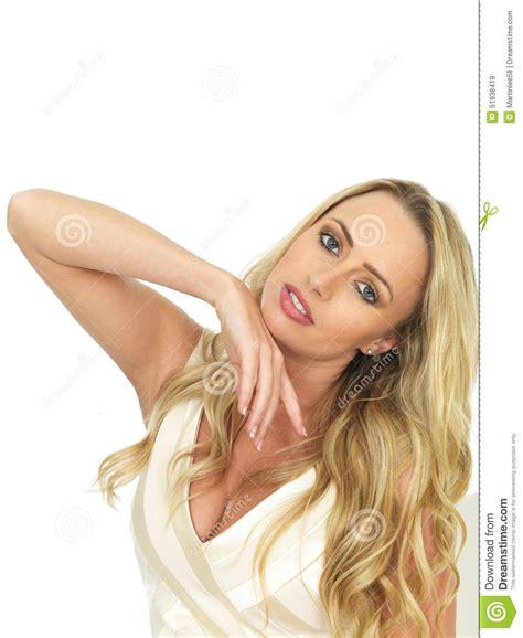 testo donna amante giovane donna sensuale graziosa sembra romantica e
