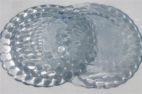 leaf pattern glass plates vintage anchor hocking sapphire blue bubble pattern