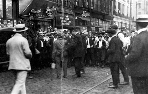 a few drops the chicago race riot of 1919 books the summer of 1919 the race war you never knew about