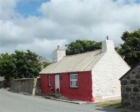 Wales Cottages With Tub cottages with pools or tubs rent self catering accommodation with either a pool or