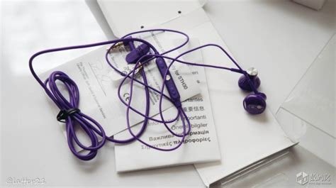 Headset Sony Xperia Sth30 sony sth30 stereo headset unboxed looks great in purple xperia