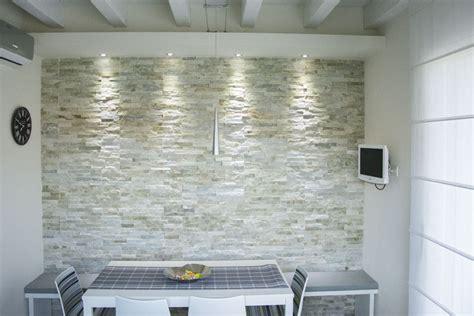 Muro Pietra Interno by Rivestimento Muro Interno In Pietra Di Abitazione Privata