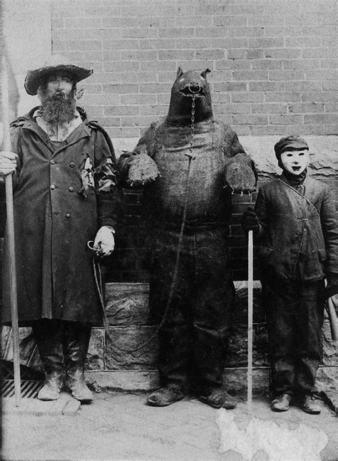 vintage-ancien-costume-deguisement-halloween-34 - La boite