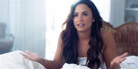 d r demi lovato kitabi demi lovato opens up about her demons on simply complicated