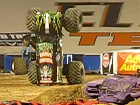 grave digger freestyle in el paso tx march 6 2010 youtube