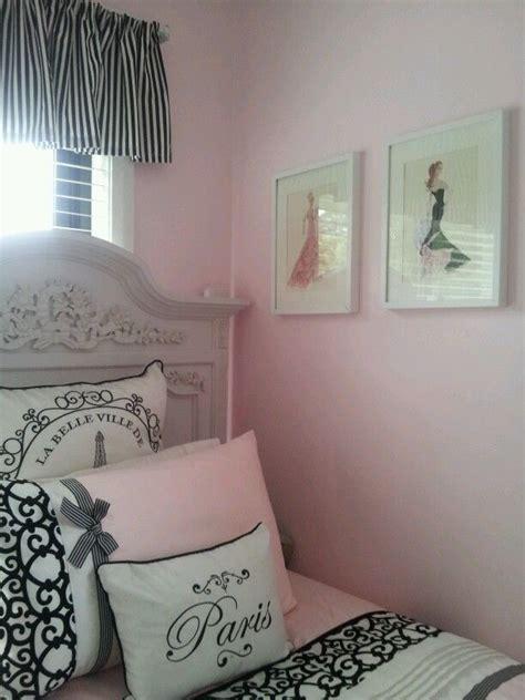 pink and black paris themed bedroom best 25 girls paris bedroom ideas on pinterest paris