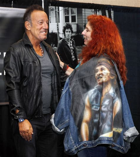 bruce springsteen fan my hometown springsteen launches book tour in jersey