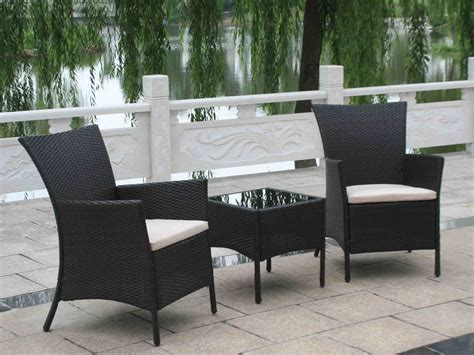 wicker patio furniture and durable even in
