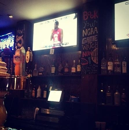 Top Sports Bars In Philadelphia by Sports Bars In Philadelphia Tavern On Broad