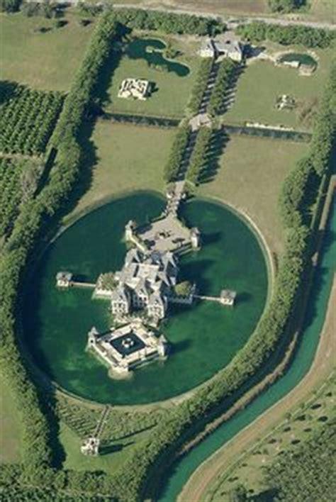 charles sieger charles sieger s redlands island castle relisted for 10
