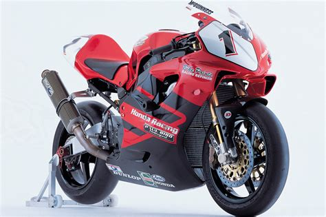 The most exotic Honda CBR954RR ever    Visordown