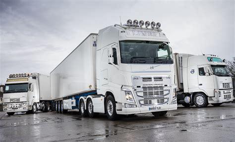 volvo reliability ensures liner transports   truck   fh fleet uk haulier