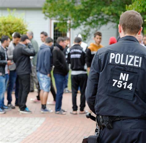 Bewerbungsfrist Polizei Schleswig Holstein Fl 252 Chtlinge Verheimlicht Polizei Brisante Straftaten Welt