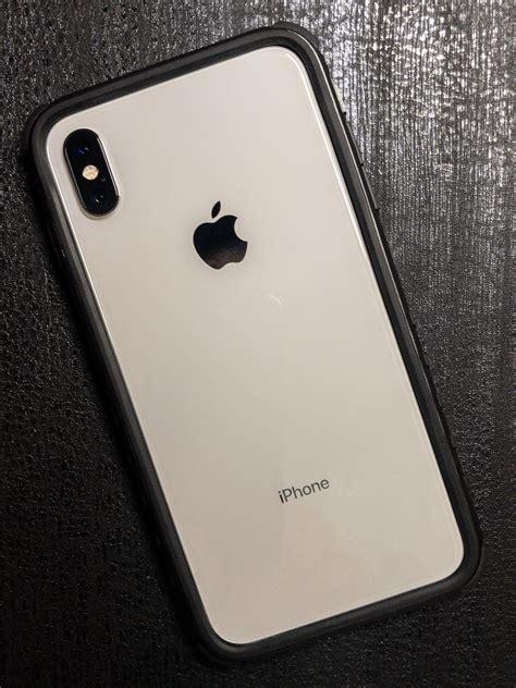 dbrand grip v1 on iphone xs max dbrand