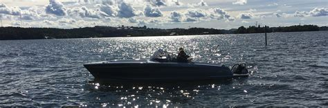 speed boat weight distribution saertex 174 in stade produces carbon hull for candela speedboat