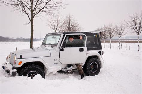 Jeep Wrangler In Snow Tj Jeep Wrangler Stuck In Snow Photo Omar Br 228 Nnstr 246 M