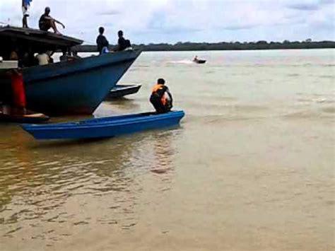Air Panjang 8 perahu lumba 17 kaki panjang mp4 di kg air beluran