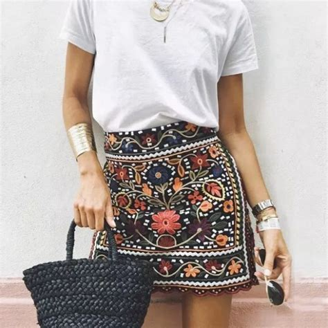 Zara Skirt 37 zara dresses skirts zara embroidered mini