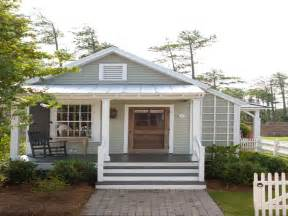 Small Homes Exterior Small Cottage House Exterior Color Country Cottage