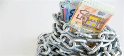ultime notizie popolare di spoleto anatocismo bancario il m5s lotta contro il governo delle