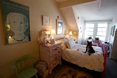 Shop Bedroom Found Treasures Decorating With Thrift Shop Goods