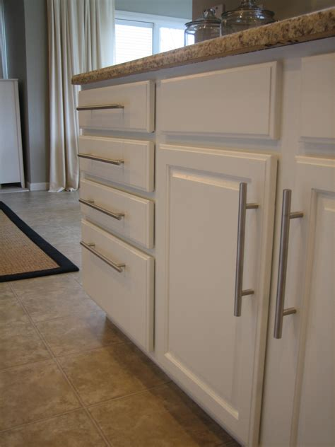 Kitchen Cabinet White Paint by Painting Kitchen Cabinets White Casual Cottage