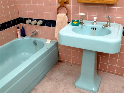 how to paint old bathroom tile tips from the pros on painting bathtubs and tile diy