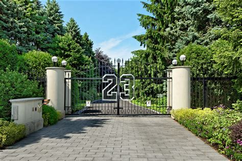 chicago house michael jordan s home in chicago reduced to 16 million