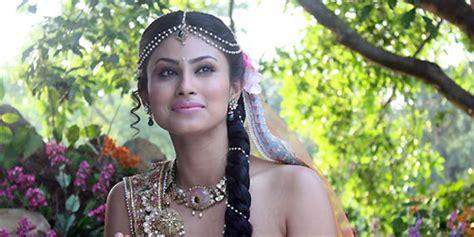 vidio film india ular mouni roy mahadewa jadi dewi ular di serial naagin