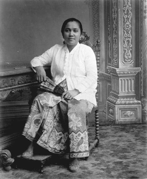 Baju Soekarno Iii batavian with sarong and kabaja 1900 1915 indonesia