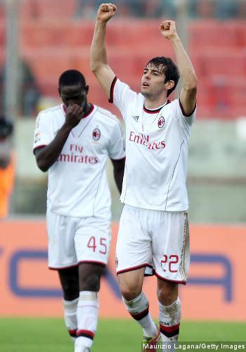 Kartu Perdana 3 Seri Tahun Ac Milan Dan Barcelona kaka gembira bisa sumbang gol terakhir ac milan lawan catania kabar berita artikel
