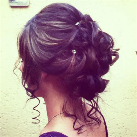 perfect haircut for diamond 17 fancy prom hairstyles for girls prom hairstyles prom