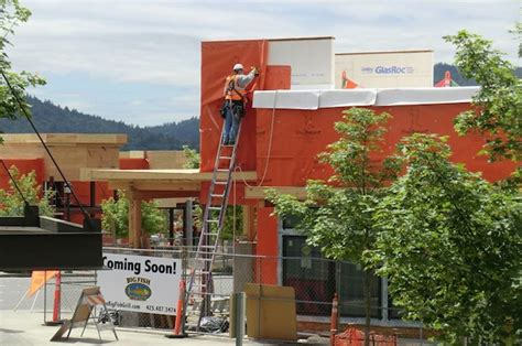 issaquah highlands grand ridge plaza nears completion