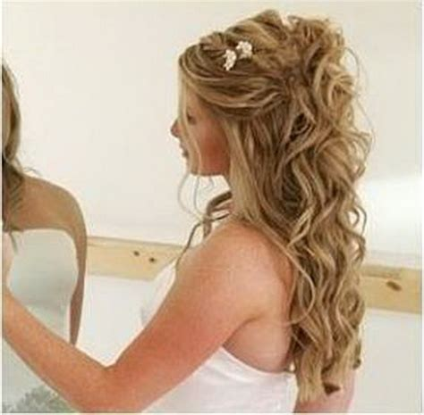 hairstyles for curly hair bridesmaids curly bridesmaid hairstyles