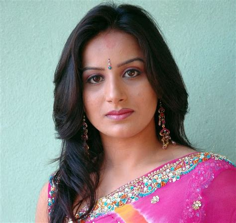 kannada film actress rajkumar hot actress photos free hd kannada actress in saree