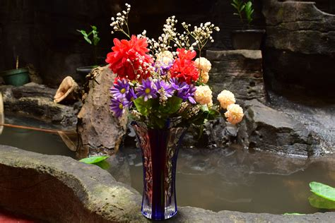 How To Arrange Roses In Vase by How To Arrange Flowers In A Large Vase 7 Steps With Pictures