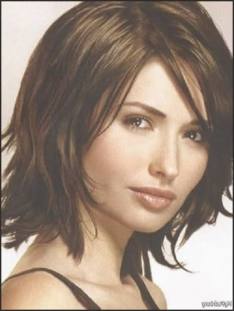 haircuts for women in mid twenties 1000 ideas about medium length wavy hairstyles on
