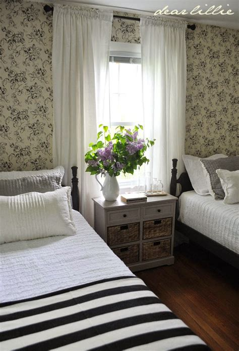 old fashioned bedroom dear lillie lillie and lola s old fashioned new england bedroom