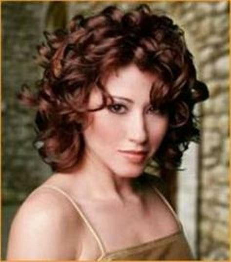 hairstyles for short curly layered hair at the awkward stage medium curly layered hairstyles