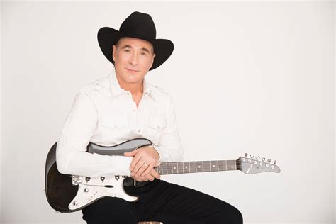 clint black set to perform at santander performing arts center in reading
