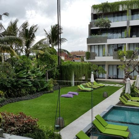 agoda four points seminyak swimming pool picture of four points by sheraton bali