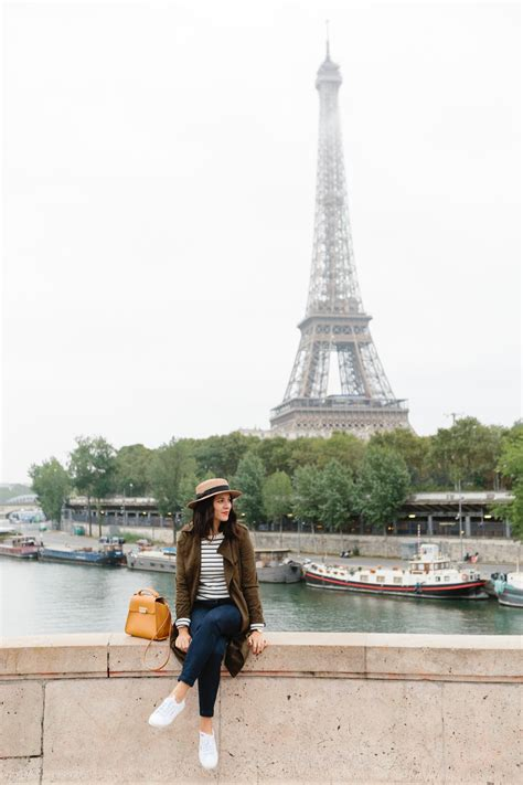 eiffel tower outfit photo ideas  style vita
