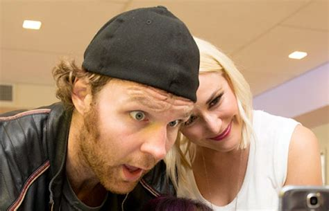 wwe dean ambrose hot dog cart are dean ambrose and renee young dating photos