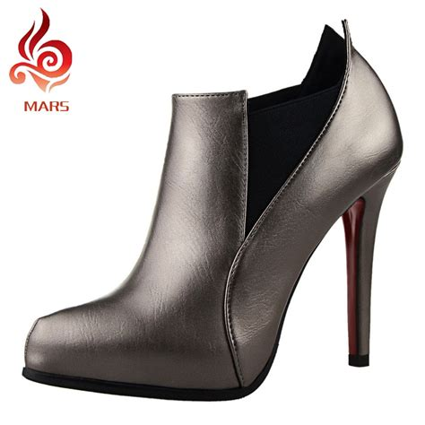 the slim ankle boots fashion trend boots high