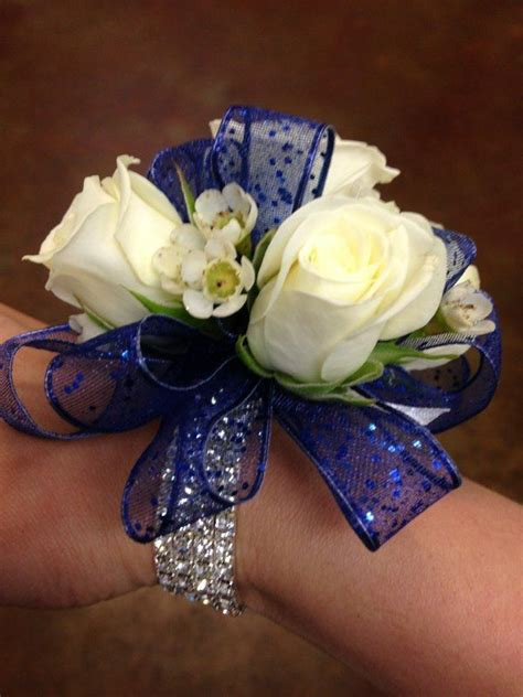 best 25 prom corsage ideas on pinterest prom corsage and boutonniere crosage prom and prom