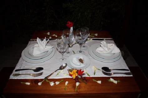tavola per cena romantica tavola apparecchiata per la cena romantica a due